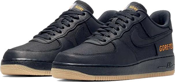 1. Nike Air Force 1 GORE-TEX - Zwart