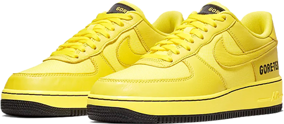 4. Nike Air Force 1 GORE-TEX - Geel
